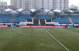 أمطار غزيرة تغمر أرضية ملعب مباراة المصري وبطل نيجيريا