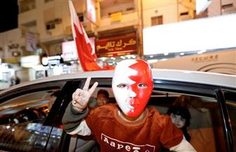مستشار ملك البحرين: الاحتفالات تجتاح الشوارع.. وغدا إجازة بقرار ملكي