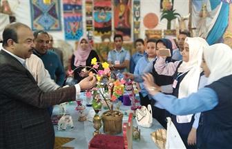 افتتاح معرض فني من الخيش وليف النخيل بالأقصر  صور