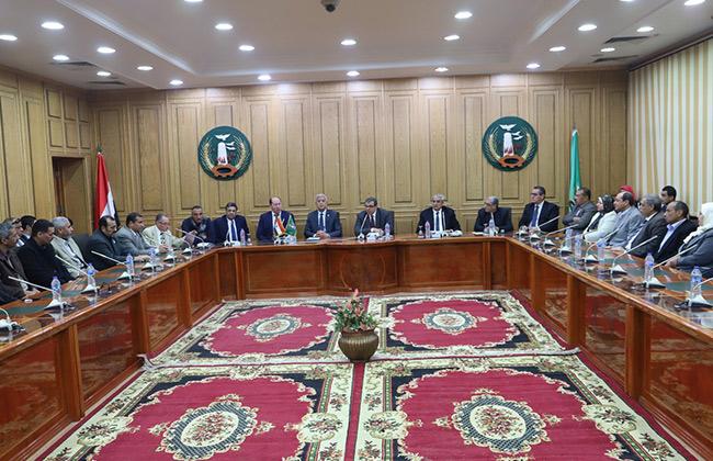 وزير القوى العاملة يلتقي القيادات النقابية باتحاد عمال المنوفية   صور