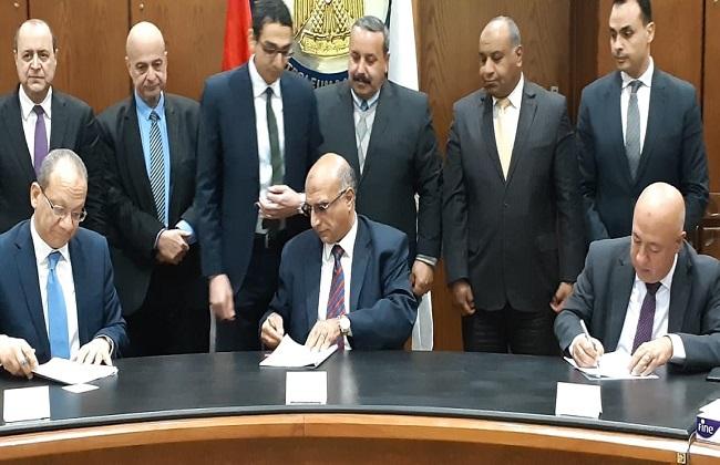 البترول : توقيع عقد ائتلاف بنكي الأهلي المصري والكويت الوطني للقيام بدور المستشار المالي لمشروع  انوبك