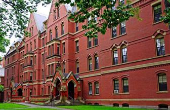 الجامعات الأمريكية تجمع 47 مليار دولار في عام واحد وتسجل رقما قياسيا جديدا