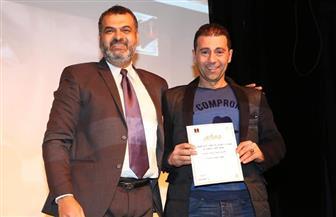 تكريم المخرج والناقد المسرحي  جمال عبد الناصر في ختام مهرجان القاهرة الدولي للمونودراما
