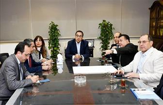 مدبولى يعقد اجتماعا لمتابعة الموقف التنفيذى لمحور 30 يونيو وطريق هضبة أسيوط الغربية