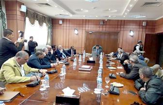 وزير الشباب والرياضة يلتقي اللجنة المنظمة لبطولة البحر المتوسط لكرة اليد ببورسعيد