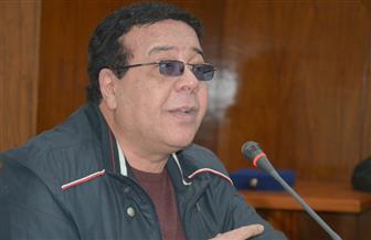 """أحمد آدم في ندوته بـ""""بوابة الأهرام"""": لا تحملوا الفن مشاكل المجتمع"""