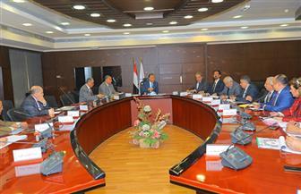 وزير النقل: تنفيذ 6 محاور كبرى على النيل بالصعيد تسهم في ربط الطرق شرقا وغربا   صور