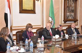 رئيس جامعة القاهرة يلتقي مديرة المجلس الثقافي البريطاني في مصر والوفد المرافق