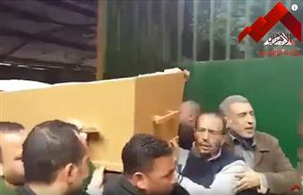 وصول جثمان خالد توحيد إلى مسجد مصطفى محمود.. والخطيب والعامري وأبو رجيلة أول الحاضرين| فيديو