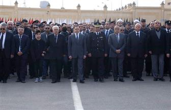 جنازة مهيبة لشهيد الأمن الوطني.. وزير الداخلية يتقدم المشيعين | صور