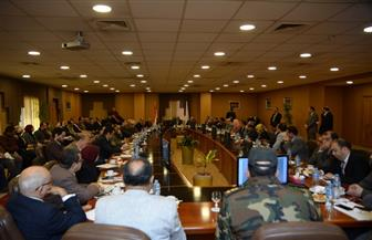 """رئيس جامعة المنصورة يعقد اجتماعا لمناقشة استعدادات تنفيذ مبادرة """"100 مليون صحة"""""""
