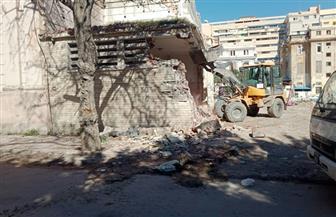 إزالة الإشغالات بمحيط المتحف اليوناني الروماني بالإسكندرية   صور