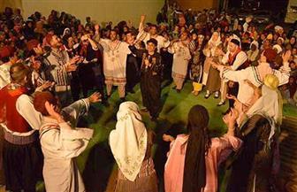 فرقتا اليونان ومطروح تخطفان الأبصار بعروض فلكلورية في مهرجان أسوان للثقافة والفنون | صور