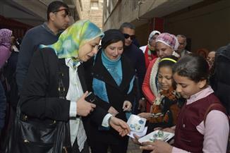 قافلة تنموية شاملة لكلية البنات بجامعة عين شمس لخدمة أهالي الحي | صور