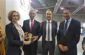 محافظ البحر الأحمر ووزير السياحة الصربي يناقشان فتح خطوط طيران جديدة | صور