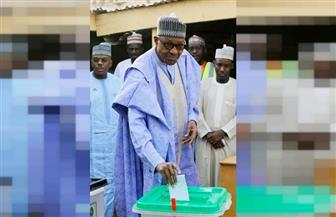 بخاري يدلي بصوته في الانتخابات الرئاسية المؤجلة بنيجيريا