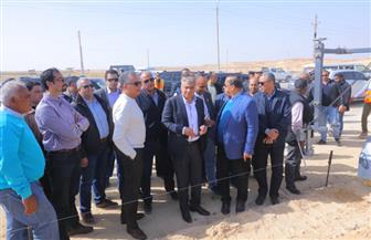 """وزير النقل يتابع أعمال تطوير طريق """"القاهرة - أسيوط"""" الصحراوي الغربي"""