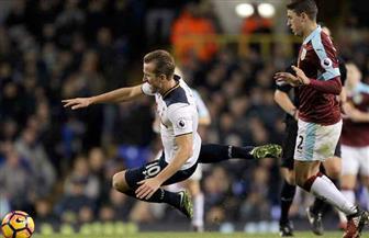 توتنهام يسقط أمام بيرنلي 1 / 2 في الدوري الإنجليزي