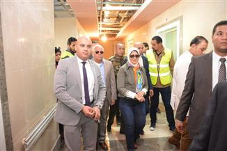 وزيرة الصحة ومحافظ بورسعيد يتفقدان 3 مستشفيات حكومية استعدادا لتطبيق منظومة التأمين الصحي | صور