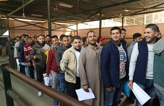 512 عاملا تقدموا في اليوم الأول لفتح باب قبول طلبات العمل بإحدى دول الخليج | صور