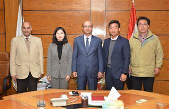 نائب رئيس جامعة أسيوط يلتقي وفدا من كوريا الجنوبية لمتابعة المشروع التكنولوجي المشترك | صور