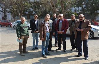 محافظ الجيزة يوقع غرامة على منشأة تجارية لرش المياه بالشارع |صور