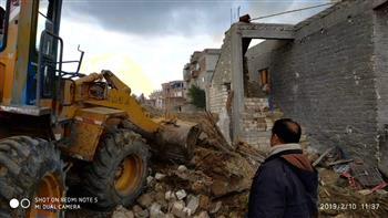وزارة الآثار: إزالة التعديات الواقعة على التلال الأثرية بمنطقة آثار البحيرة   صور