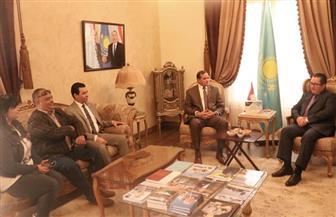 رئيس جامعة سوهاج يبحث مع سفير كازاخستان سبل التعاون في مجالات التبادل والتعليم