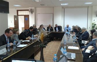 رئيس جامعة أسوان يفتتح ورشة عمل لتطوير وميكنة الإدارات | صور