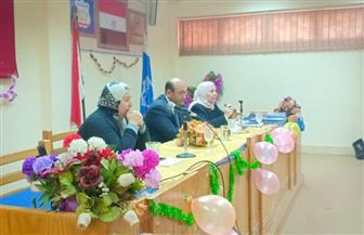 تصحيح المفاهيم المغلوطة لدى الشباب الجامعي في ندوة بكلية الخدمة الاجتماعية جامعة حلوان |صور