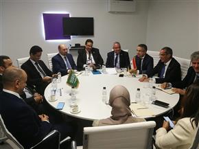 وزير الاتصالات يلتقي نظيره السعودي لبحث التعاون بين البلدين