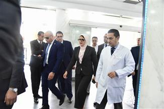 """وزيرة الصحة: تخصيص الخط الساخن """"137"""" للاستفسار عن أماكن مصابي حادث محطة مصر"""