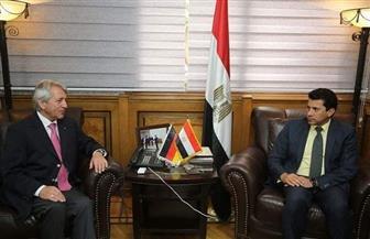 أشرف صبحي يستقبل رئيس الاتحاد الدولي للخماسي الحديث