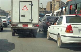 كثافات مرورية عالية وانتشار لخدمات مرور القاهرة