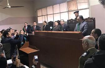 عقب صدور الحكم على طبيب كفرالشيخ.. والدة المجني عليها: قضاؤنا عادل ولن أرتاح حتي يتم إعدامه | صور