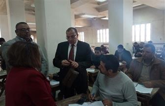 رئيس جامعة بنى سويف يتفقد امتحانات برامج التعليم المفتوح والتعلم المدمج بكلية التجارة | صور