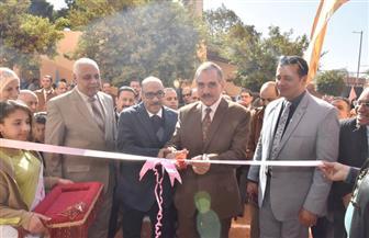 محافظ أسيوط يتفقد أعمال القافلة الطبية المجانية لطلاب ومعلمي مدرسة الشهيد أحمد جلال | صور