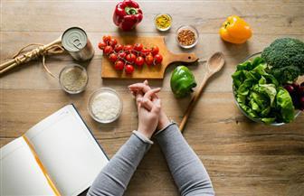احذر هذه الأطعمة بعد 7 مساء.. تهدد صحتك وتزيد وزنك