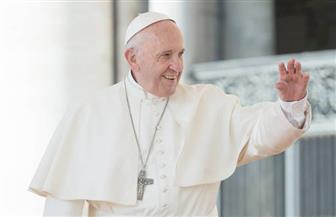 بدء القداس الإلهي برئاسة بابا الفاتيكان في الإمارات