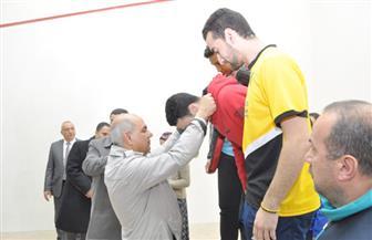 رئيس جامعة كفرالشيخ يسلم ميداليات بطولة تنس الطاولة في أسبوع الشباب | صور