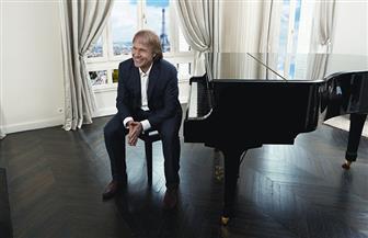 """الموسيقار الفرنسي ريتشارد كلايدرمان يشيد باستعدادات حفله في """"عيد الحب"""" بمصر"""