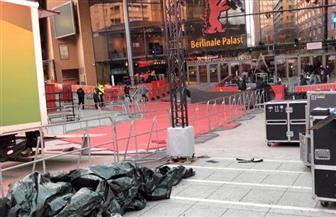 الاستعدادات النهائية لافتتاح الدورة الـ69 لمهرجان برلين السينمائي | صور وفيديو