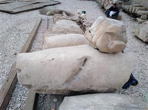 وزارة الآثار تبدأ في أعمال ترميم تمثال رمسيس الثاني في سوهاج | صور