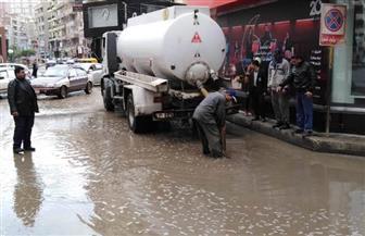 استمرار عمليات شفط مياه الأمطار بشوارع الشرقية   صور