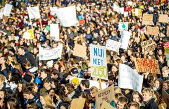 آلاف الطلاب في هولندا يشاركون في مسيرة للاحتجاج على التغير المناخي