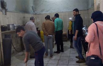 إعدام لحوم فاسدة وتحرير 12 محضرا وإنذارا بالغلق لفنادق ومطاعم ومحال تجارية في مطروح | صور