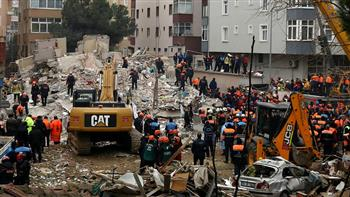 ارتفاع حصيلة ضحايا انهيار مبنى في إسطنبول إلى 16 شخصا