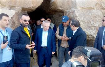 الرئيس الألبانى يزور منطقة الأهرامات| صور
