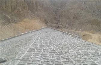 محافظ البحر الأحمر يشدد على سرعة الانتهاء من إنشاء سد وادي فالق السهل بالغردقة | صور