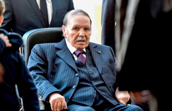 الجزائر ;بوتفليقة; يوارى الثرى فى مربع الشهداء بمراسم تكريم محدودة